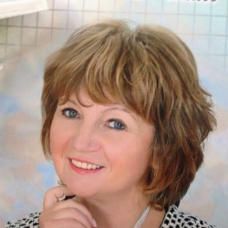 Репетитор Новикова Любовь Павловна - фотография